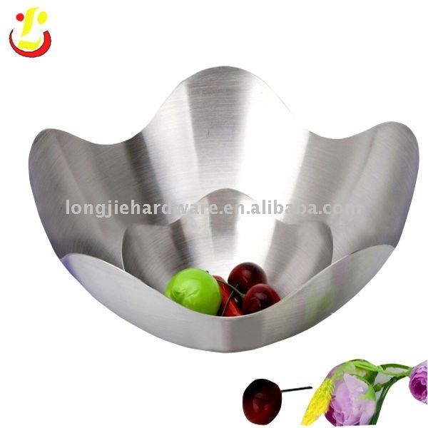 Decorative Metal Bowl for fruit