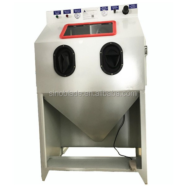 Abrasive blasting supplies sand blast pot for abrasive cleaning