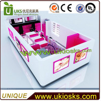 2015 Newly made 5m by 3m mall nail bar kiosk design | modern manicure table