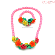 plastic beads wristwear and necklace jewelry for kids