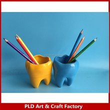 Resin Decorative cute tooth shape pen holder
