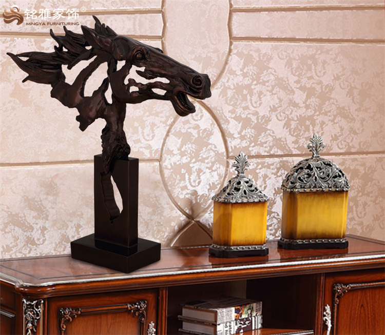 Modern office decoration ornament custom resin craft abstract horse head sculpture and statue