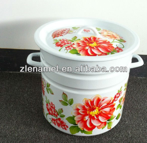 32cm enamel casserole with hollow handle
