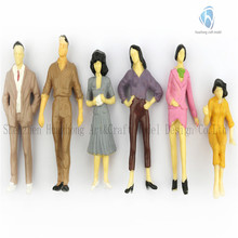 New 6 x 1:/25 Scale Plastic Model miniature human train figures