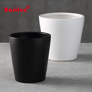 Wholesale Garden decoration white and black cheap ceramic cup shaped flower pots