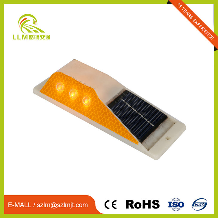 Good Sealed solar power ip67 roadside reflectors delineator