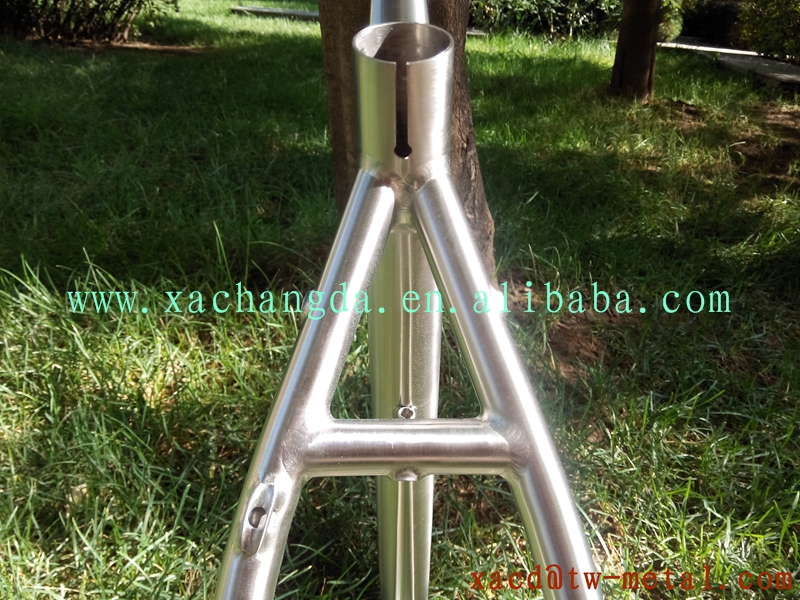 OEM titanium MTB bike frame with BSA thread BB shell titanium bike frame with handing brush finished