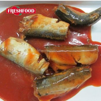 Canned mackerel in tomato sauce with 425g