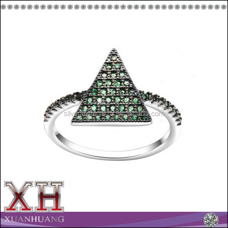 Xuan Huang Silver Jewelry Sparkling Triangle Emerald CZ Rings