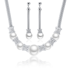 White gold plated jewelry set with crystal and pearl