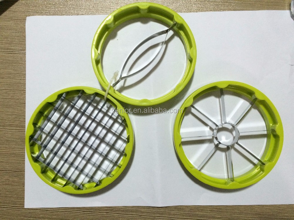 Apple Cutter and Fruit Slicer