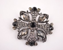 2015 Fashion design black rhineatones diamond pin brooch