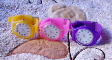 2013 newest and fashion quartz design plastic watch