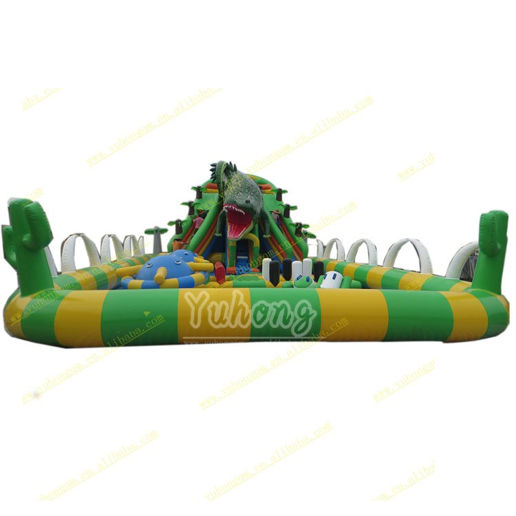 Extremely hot PVC inflatable water slide with giant crocodile water park