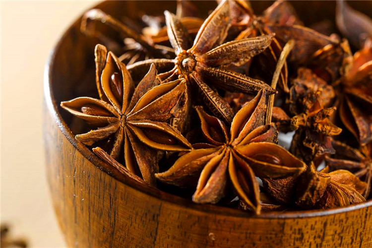 Good quality Chinese Star anise seed or powder