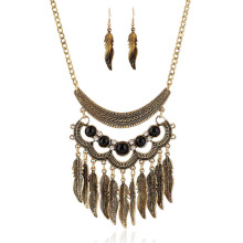 Hot sale Luxury vintage national alloy leaf tassel zicon pendant necklace resin dubai gold jewelry set factory direct offer