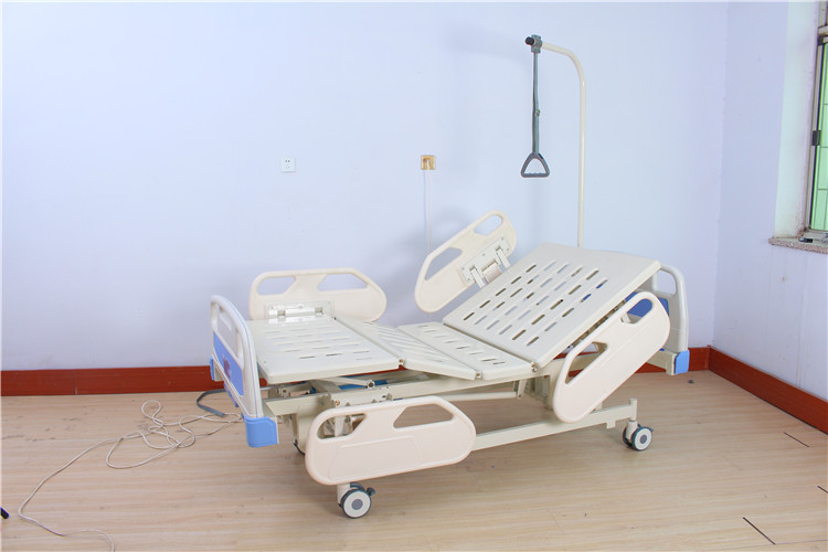 Hospital furniture manual three functional hospital bed ABS guardrail