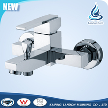 Multifunction Bathroom fitting wall mounted single handle bathtub water faucet
