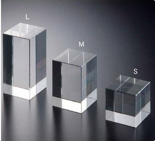 Manufacturing small acrylic block