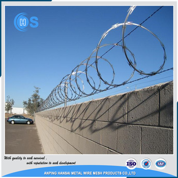 Hot sale pvc coated barbed wire using grassland boundary