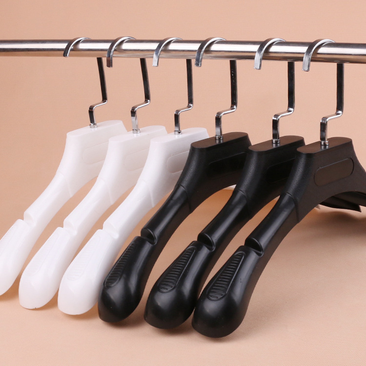 Hot Selling wholesale plastic flat clothes hanger with great price