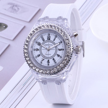 2017 Fashion Vogue Quartz Lady WatchsABS Plastic Light - LED water drill !OEM Watch