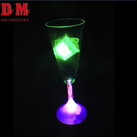 2017 Fashion Bar Drinking 210ml Plastic recycling big led champagne glass