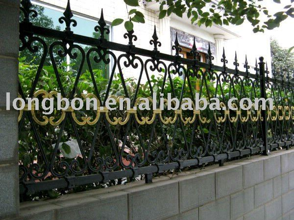 2014 Top-selling hand forging galvanized steel fence