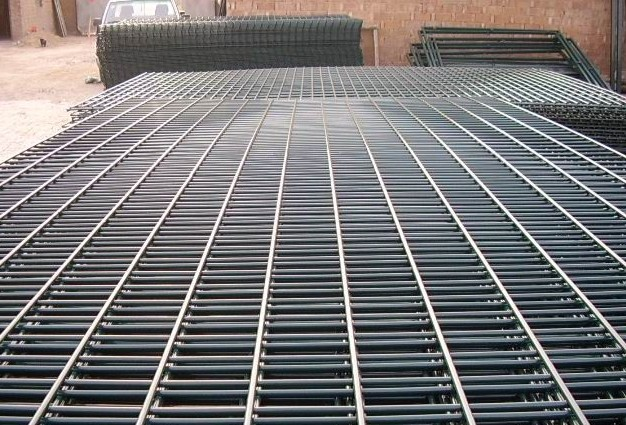 2x4 Galvanized Welded Wire Mesh Panel / pvc coated Welded Wire Mesh for Fence Panel