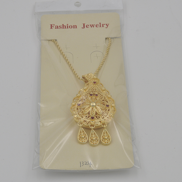 Wholesale Vintage Jewelry Charms Initial Necklaces