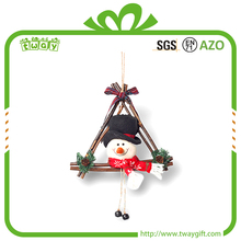 Wholesale triangle rattan snowman decoration garland artificial wreaths christmas product