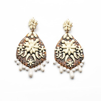 2014 New Design Yellow Board with Milk White Flower Ivory Drop Earrings