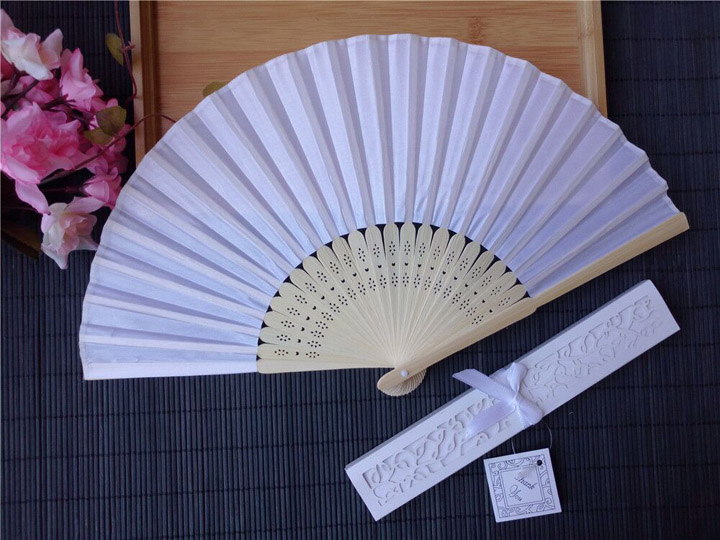 Wholesale Handmade Personalized Wedding Fan Box Folding Silk Hand Fans Wedding Decoration Party Souvenirs Gift For Guest