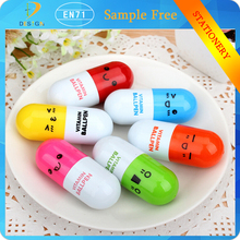 China suppliers special Telescopic Vitamin Capsule Ballpen Cute Smiling Face Pill Ball Point Pens for School