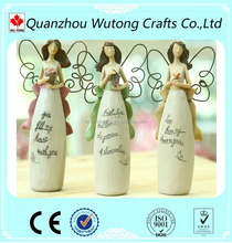 2017 Popular Small Polyresin Wings Love Angel