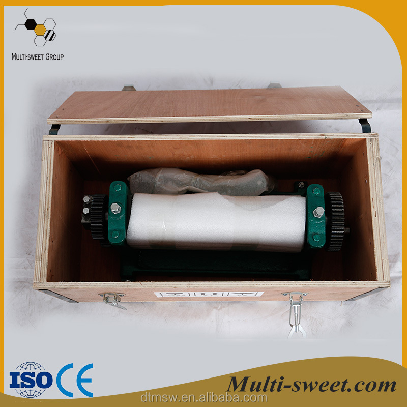 Popular beekeeping equipment Beeswax foundation sheet roller