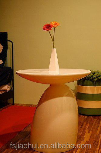 Classic mushroom shaped coffee table Eero Aarnio parabel table for sale