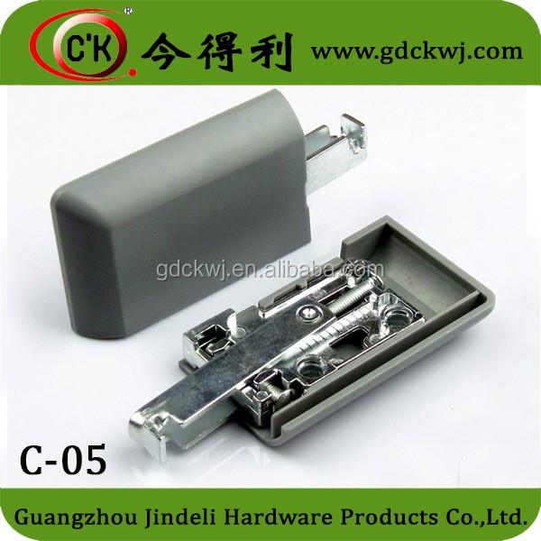 hanger C-05.jpg