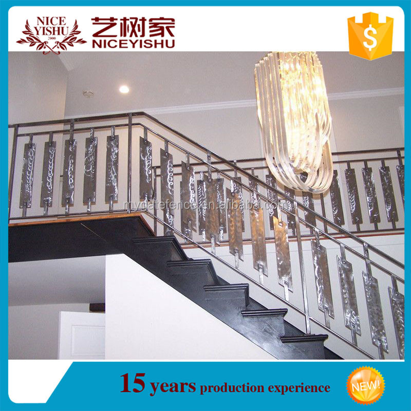 Alibaba best selling interior antique iron stair railings