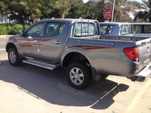 MITSUBISHI L200 2.5 D-iD GLX 4WD D/CAB PICK UP 2015 MODEL