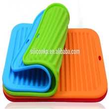 Wholesale ECO-friendly heat-resistant thick silicone kitchen mat