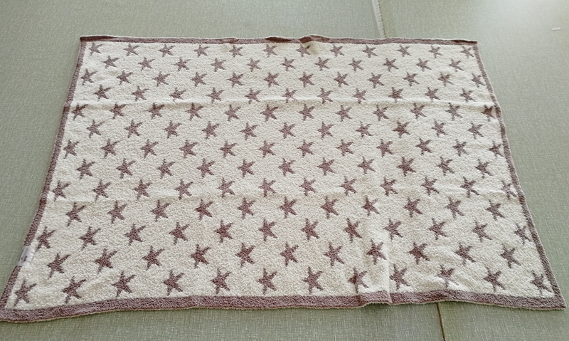luxury quality 5 star hotel super soft 100% polyester micro feather yarn fiber pink baby star knit throw blanket