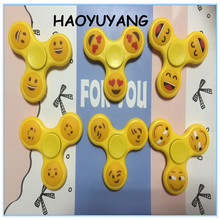 Cute Emoji face spinner hand fidget Tri-Spinner adult Anti Stress toys laughing kiss red heart emoji shaped