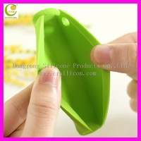 Factory 2015 newest creative hot selling design ergonomic design convenient silicone bag handle covers