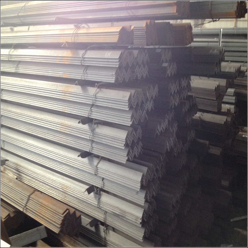 Construction structural mild steel Angle Iron / Equal Angle Steel / Steel Angle bar Price with grade A36 SS400 Q235B