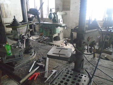 Drilling (Injection blow molding machine)