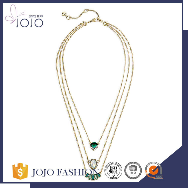 Newly fashion wholesale eco-friendly transparent green stone delicate triple layers golden chain necklace
