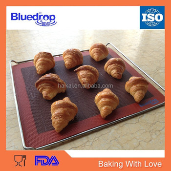 Silicone baking liners for bread toasting