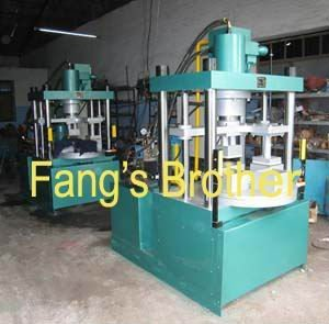 Machine for compressing mop(Automatic rotating mould)