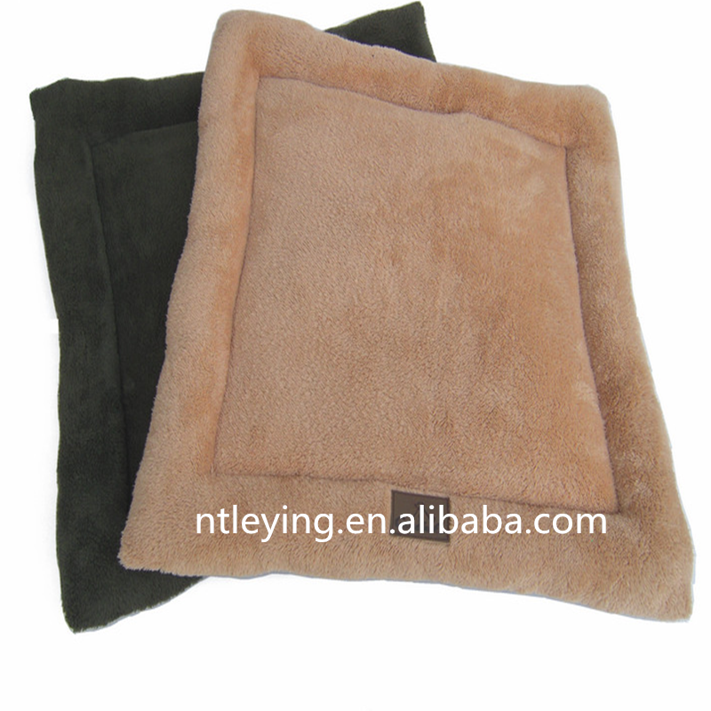 Wholesale dog cat bed urine pad dog cushions sleep mat soft plush pet supplies high quality waterproof LYGC013